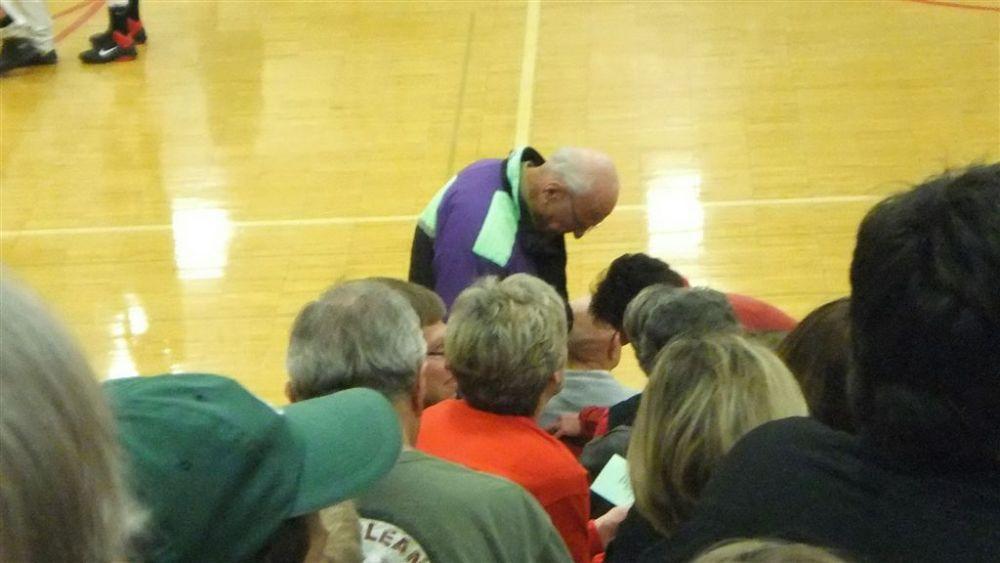 The 2010 Girls' Holiday Basketball Tournament (3/6)