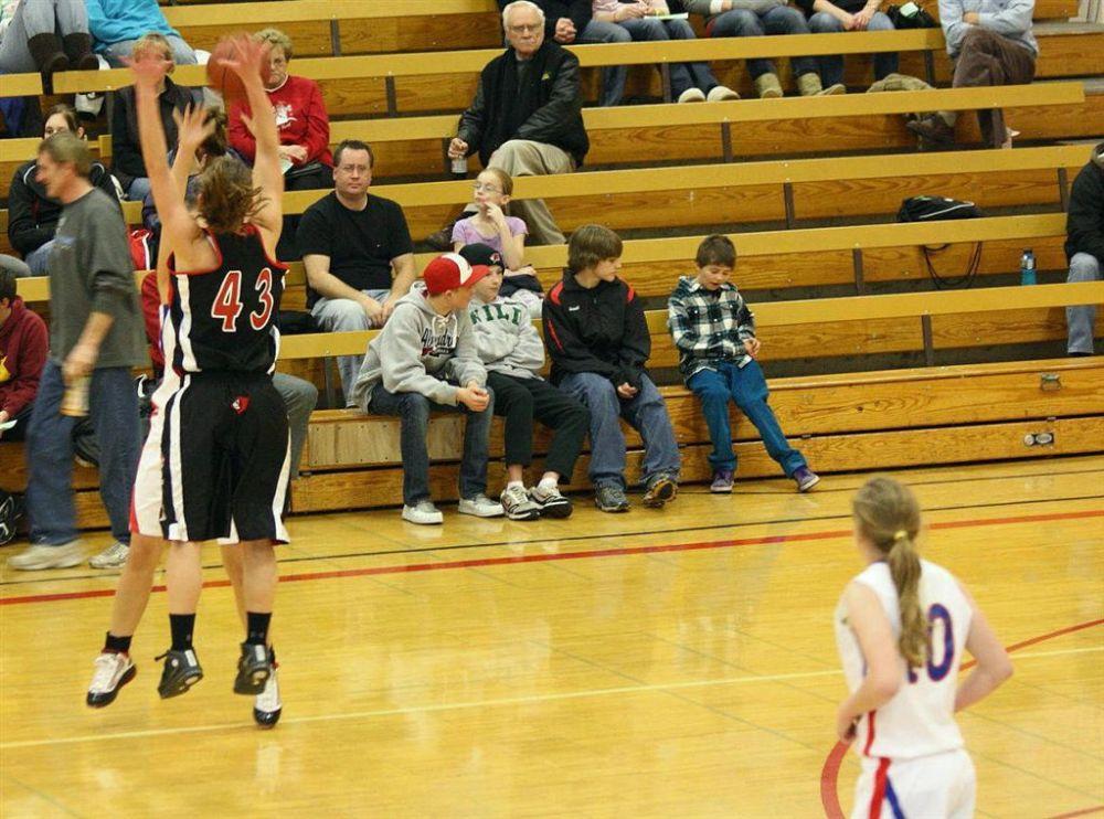 The 2010 Girls' Holiday Basketball Tournament (1/6)