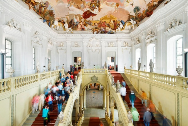 a8-wurzburg-residenz-entry-hall-med-res